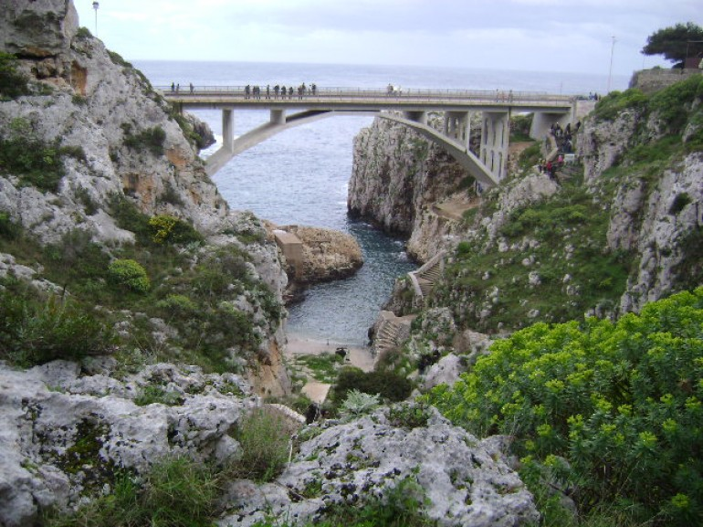 the famous bridge crossing the inlet of Ciole, photo via Wikipedia