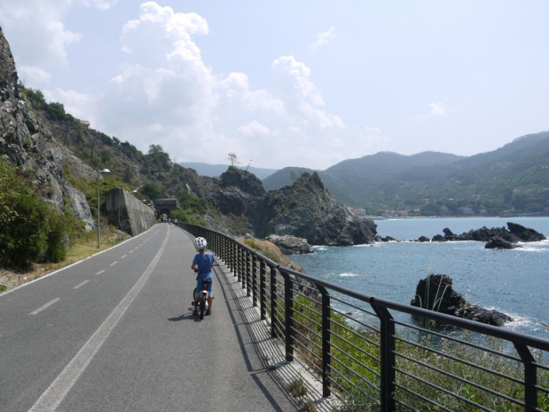 Cycling path between Levanto and Framura