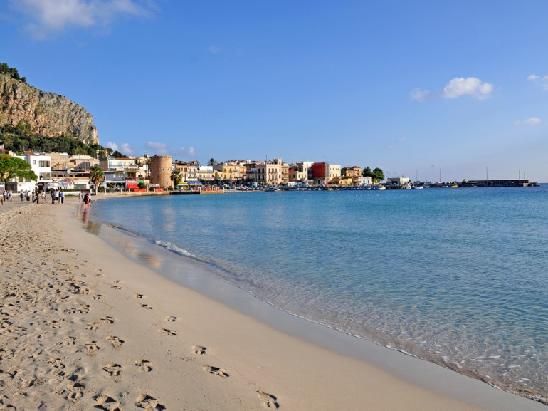 Mondello is Palermo's beach, it is a jewel of the Sicily