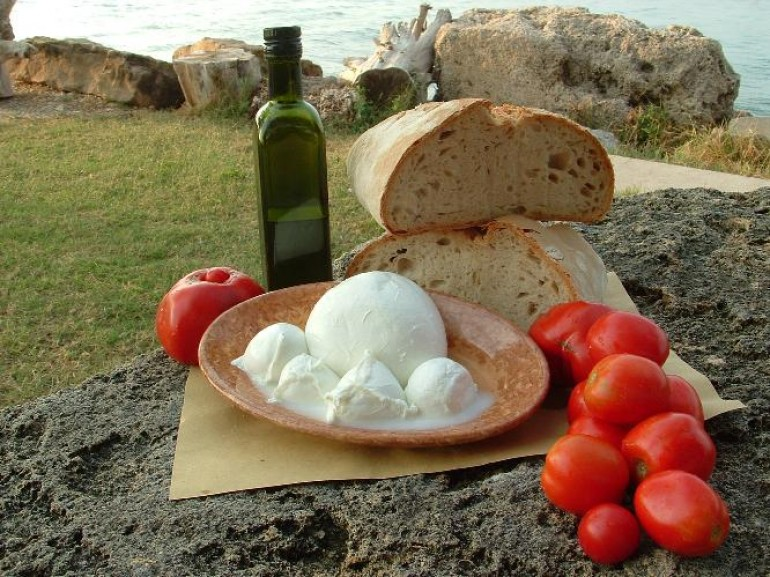 Traditional food from the Cilento and Amalfi coast, where the mediterranean diet has been invented.